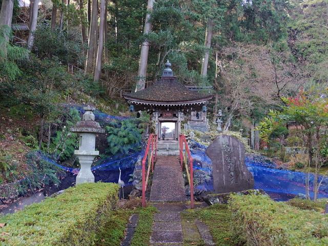 岐阜県にある弁天堂へ